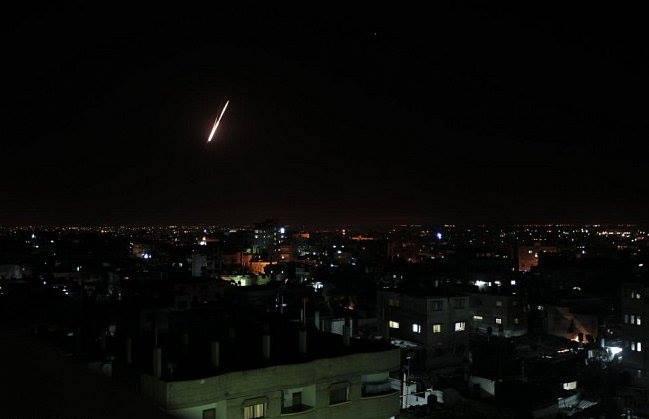 Photo of يوميات الغزازوة في الحرب: الليل والزنانة وأشياء أخرى