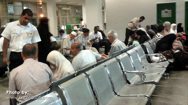 الانتظار في مطار جدة