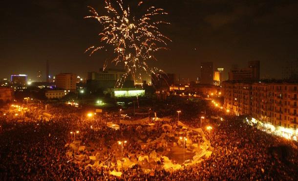 الملايين وفرحة النصر بعد زوال حكم مبارك