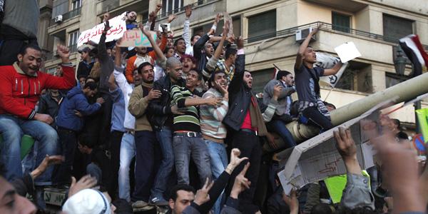 Photo of لماذا خرج الشعب المصري في مظاهرات ضد النظام؟