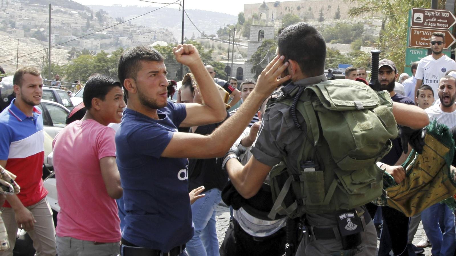 Photo of الانتفاضة الثالثة في الضفة والانتفاضة الإلكترونية في غزة